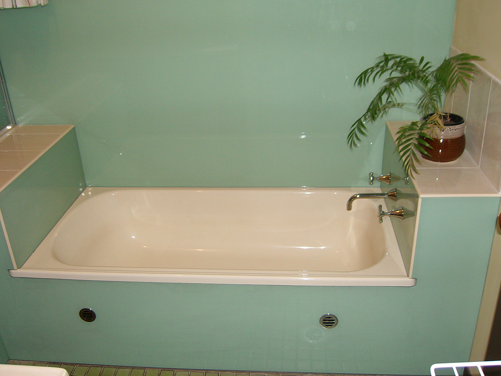Bathroom splashback ideas bathroom splashback ideas for Sink splashback ideas