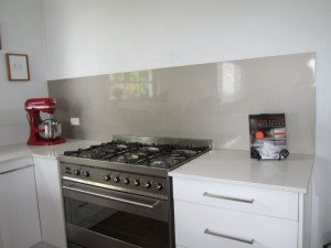 Smoked Silver Perle Kitchen