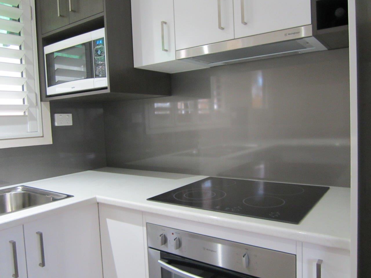 Kitchen Splashbacks In Metaline Ozziesplash Pty Ltd