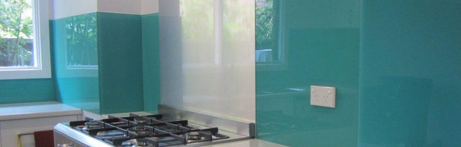 Light blue kitchen splashback