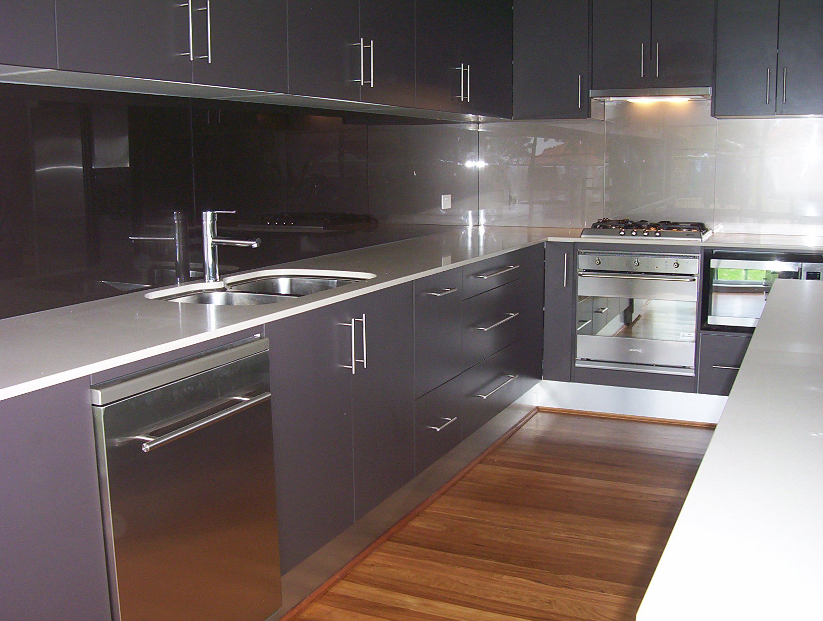 Kitchen Splashbacks In Glass Ozzie Splash
