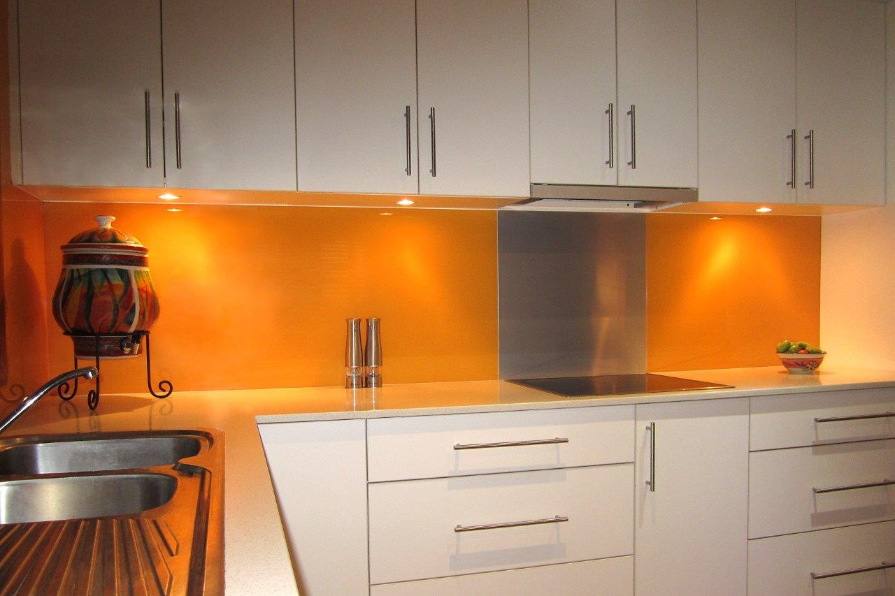 Acrylic Splashbacks With Metaline Insert Behind The Cooktop