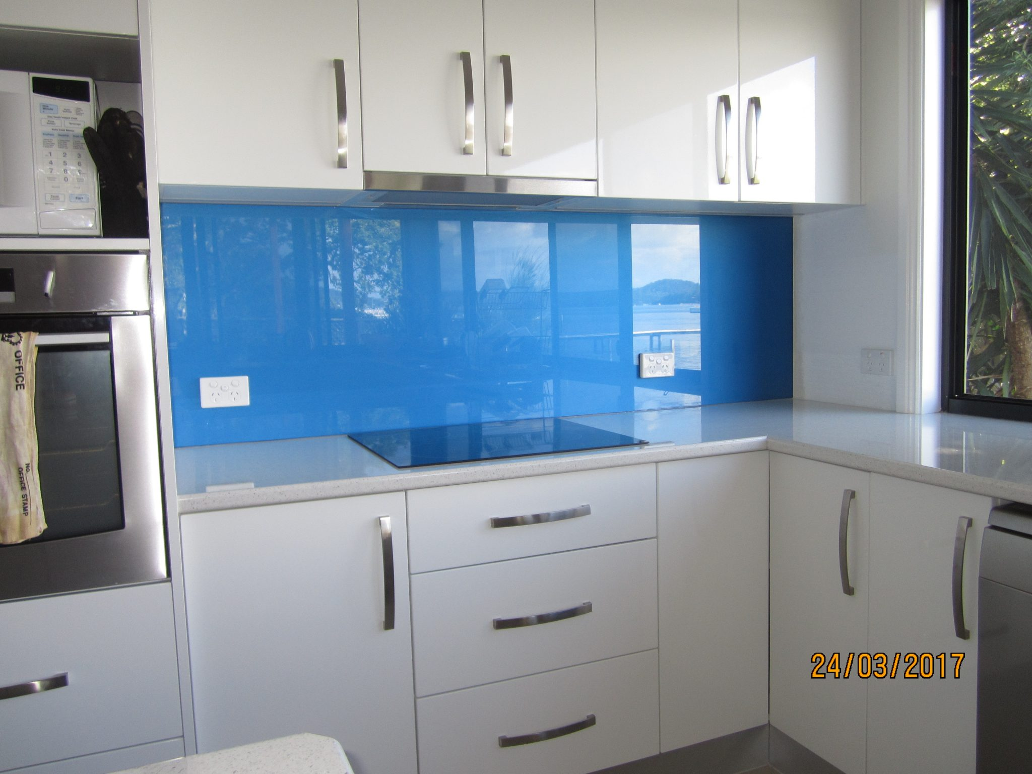 Kitchen Splashbacks in GLASS – OzzieSplash Pty.Ltd