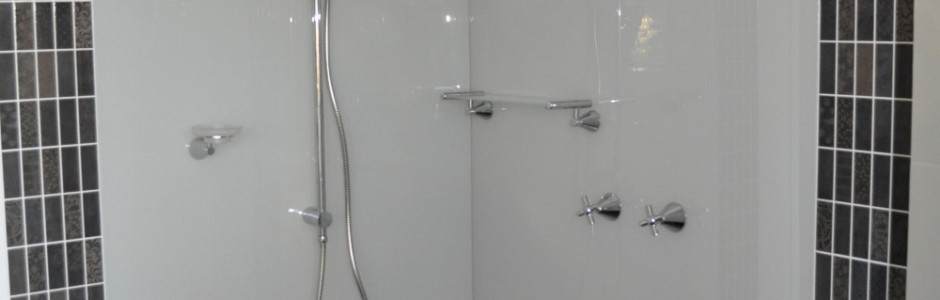 Shower panel in milton moon acrylic