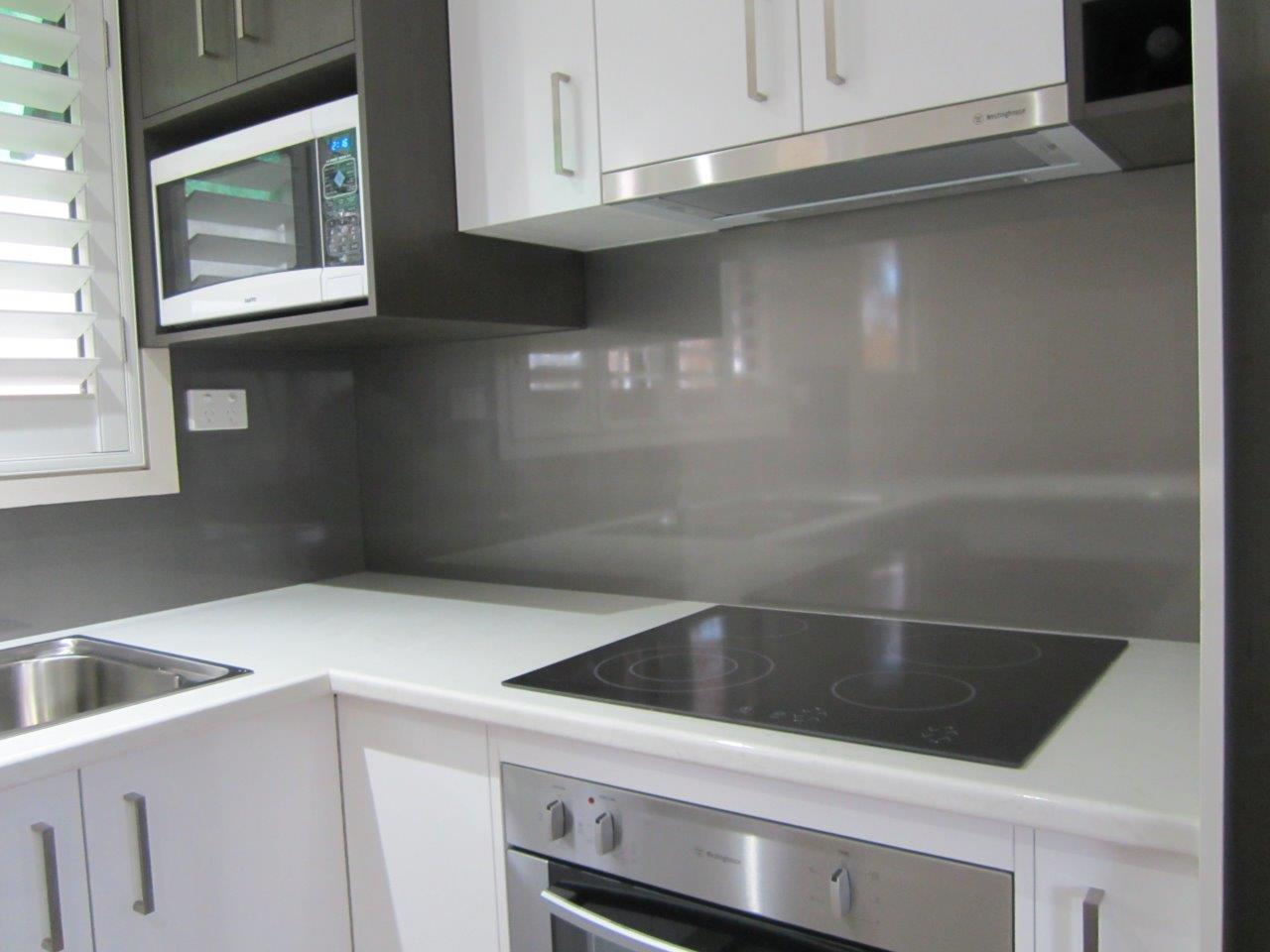 Kitchen Splashbacks In Metaline Ozziesplash Pty Ltd
