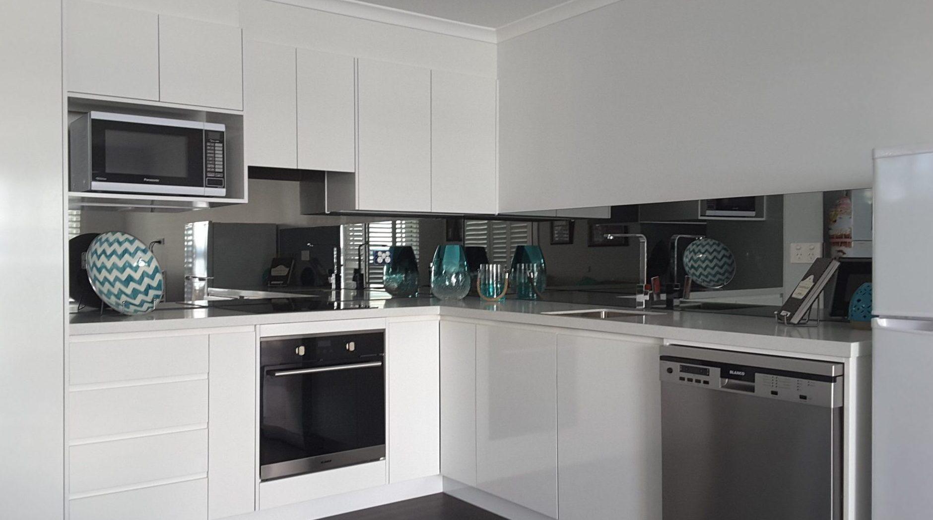 Kitchen Splashbacks in GLASS - OzzieSplash Pty.Ltd