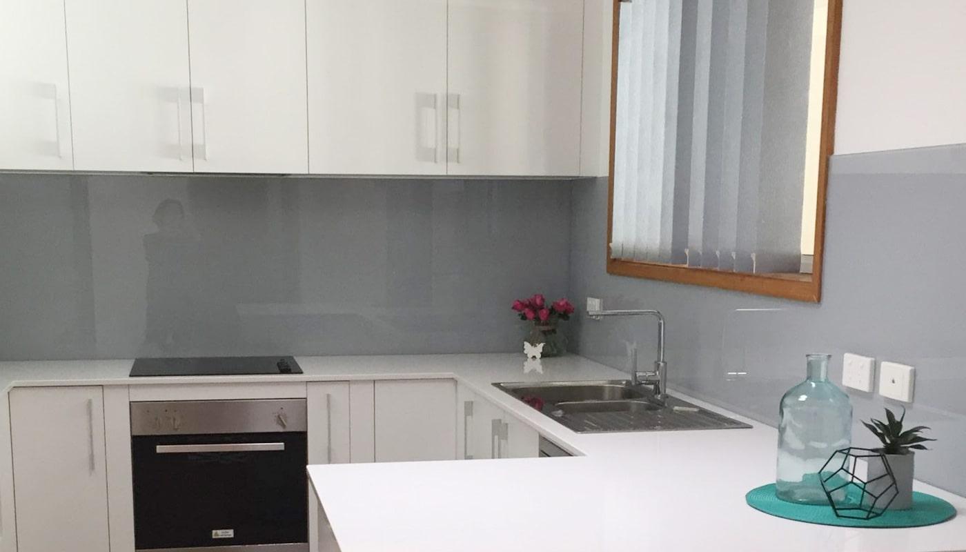 glass-kitchen-splashback-grey