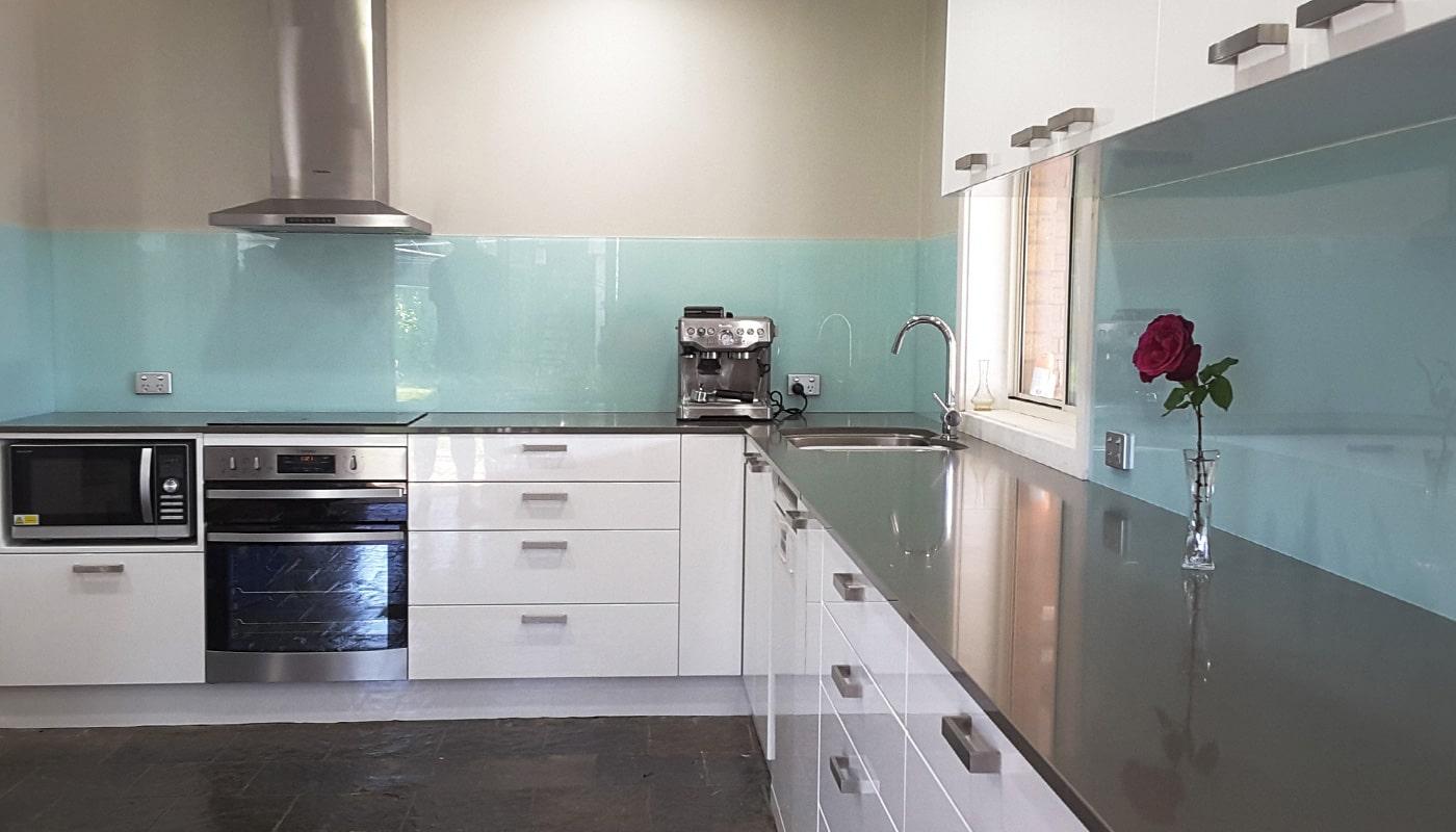 glass-kitchen-splashback-natural
